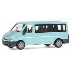 Ford Transit 2000.