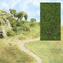 Static grass, spring green. BUSCH 7111