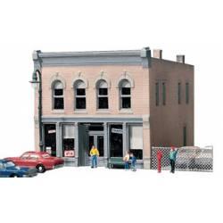 Edificio con tienda. DPM 50400