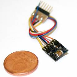 LokPilot Micro V4.0 DCC decoder, 6-pin cable plug.