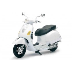 Vespa GTS-300 Super. NEW RAY 57243